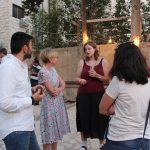 Die deutsche Botschafterin im Gespräch mit den Lehrkursteilnehmern